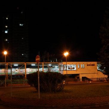 23:57 JR森林公園駅